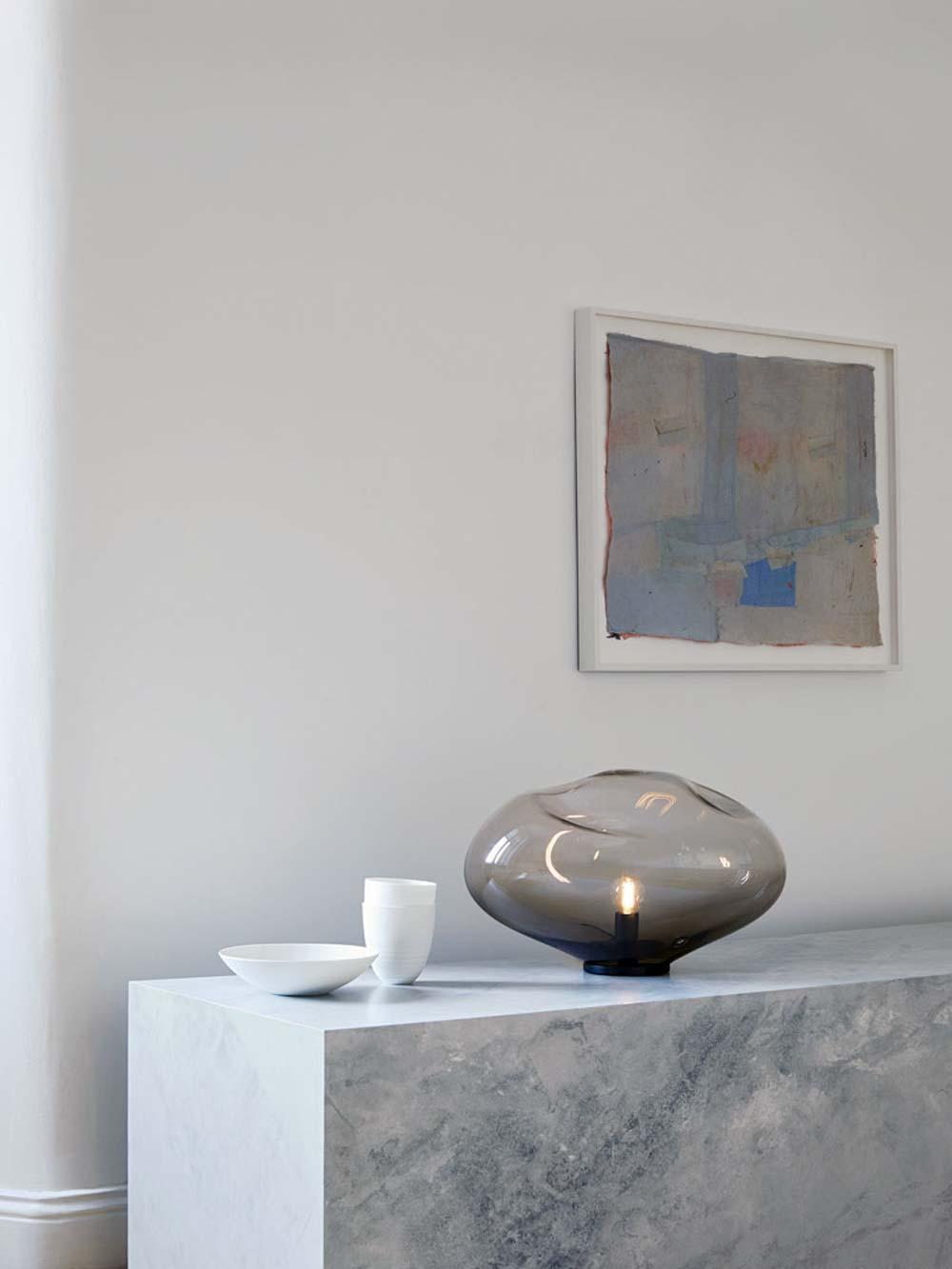 Designer Bodenleuchte und Designer Tischleuchte organische Form mundgeblasen Glas hochwertige Luxusleuchte HAUMEA AMORPH