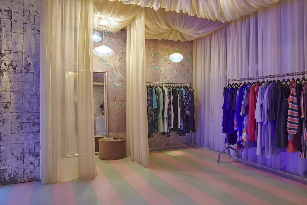 ELOA Showroom Paris 44
